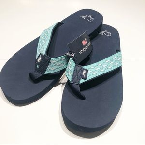 NWT Vineyard Vines classic flip flops men's